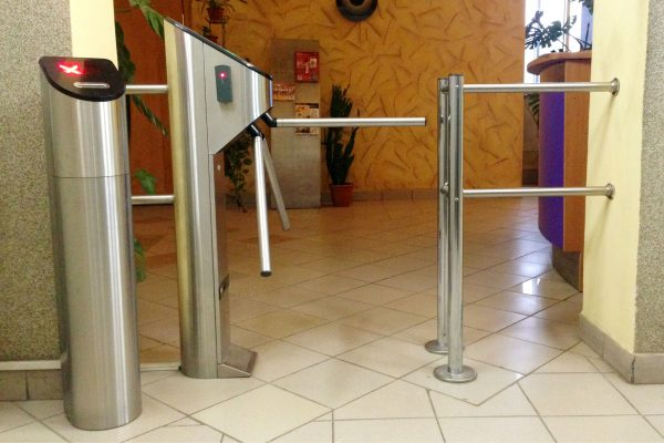 UK Turnstiles Single Pedestal Tripod with Card Collector