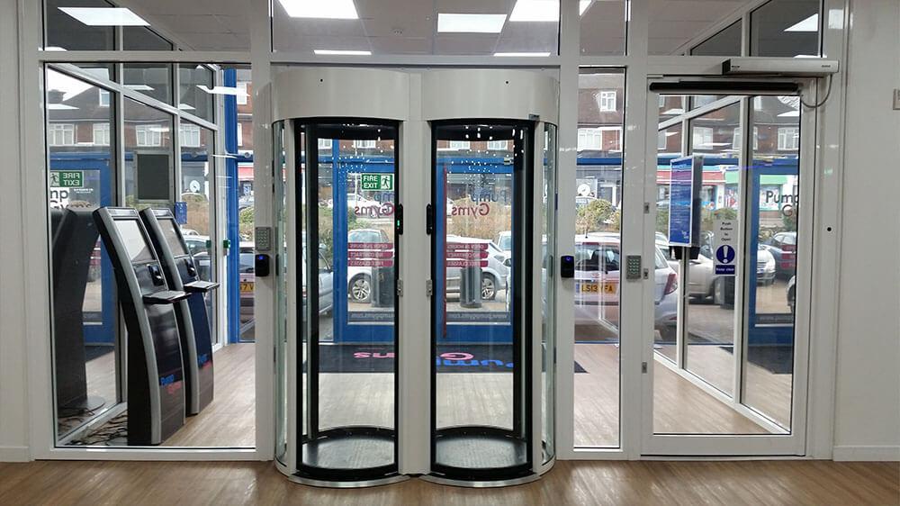 glass portal gym entrance control