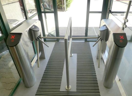 Tripod turnstiles entrance control